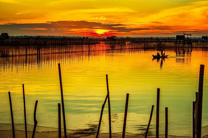 Chuon lagoon in Hue - Romantic and lyrical beauty