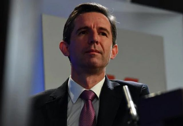 ourism Minister Simon Birmingham warned travellers not to get their hopes up